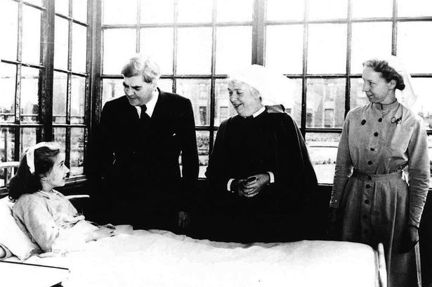 Aneurin-Bevans-second-left-visit-to-Park-Hospital-Davyhulme-Manchester-now-named-Trafford-General