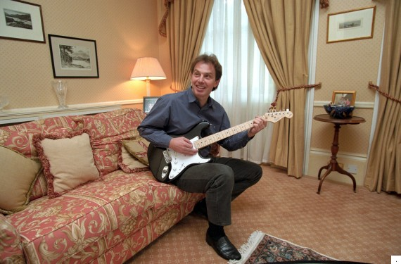 TONY BLAIR PLAYING THE GUITAR, LONDON, BRITAIN - NOV 1995